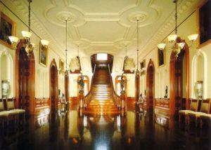 Iolani Palace Oahu Tour
