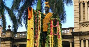 King Kamehameha Statue Oahu Tour