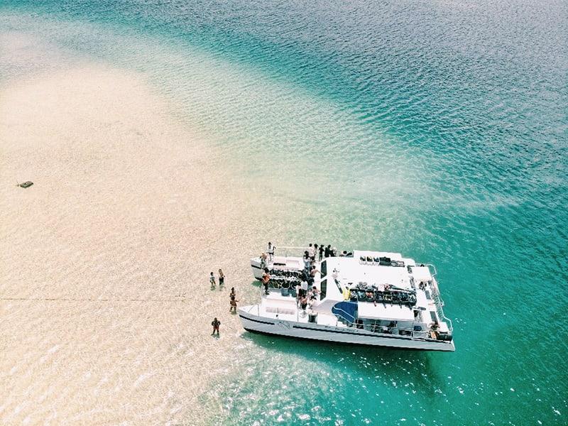 Captain Bob's Kaneohe Bay Sandbar Snorkel & BBQ Lunch Boat Tour